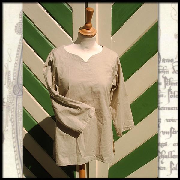 Einfaches Hemd mit Herzausschnitt - 100 % Baumwolle - Mittelalter und LARP Gewand Maßanfertigung