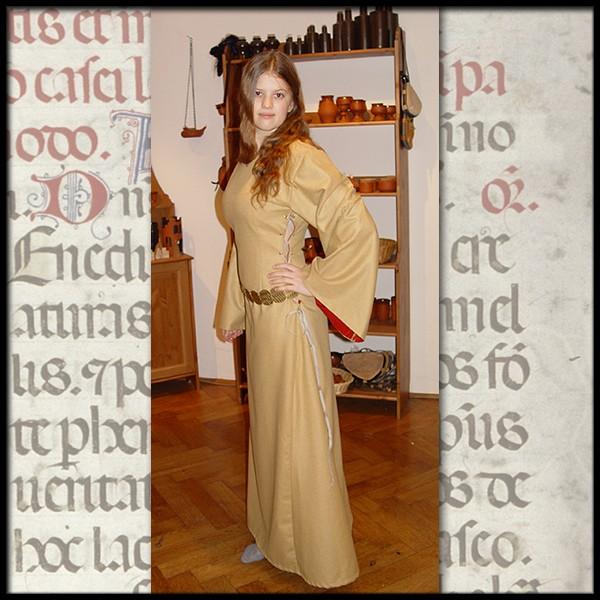 Katharina Mittelalter Kleid 100 % Leinen, Maßanfertigung