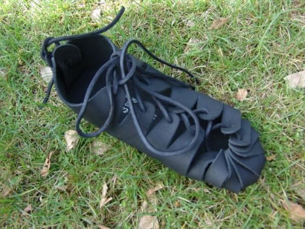 Mittelalterschuhe Bundschuhe aus Nubukleder schwarz - Mittelalterliches Schuhwerk